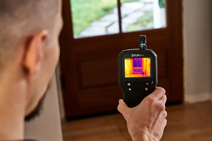 FLIR MR277 Combines a Built-In Thermal Imager with Moisture Hygrometer and FLIR Multi-Spectral Dynamic Imaging to Help Users Quickly Troubleshoot Moisture Issues