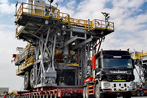 Mammoet to Deliver Two Onshore Oil Rigs from United Arab Emirates to Oman