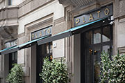 Qubica Flat Awnings Renovate the Showcases of Plato Chic Superfood in Milan