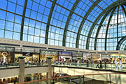 UAE retail sector surges with 33 percent growth forecast for 2015